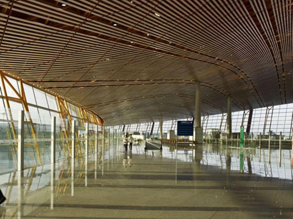Elementos da cultura chinesa estão espalhados por todo o aeroporto de Pequim Já é uma excelente prévia do que o turista vai ver no país. Elementos de