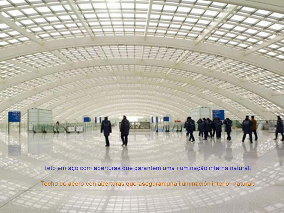 O aeroporto receberá mais de 500 mil vôos por ano. El aeropuerto recibiá mas de quinientos mil vuelos al año