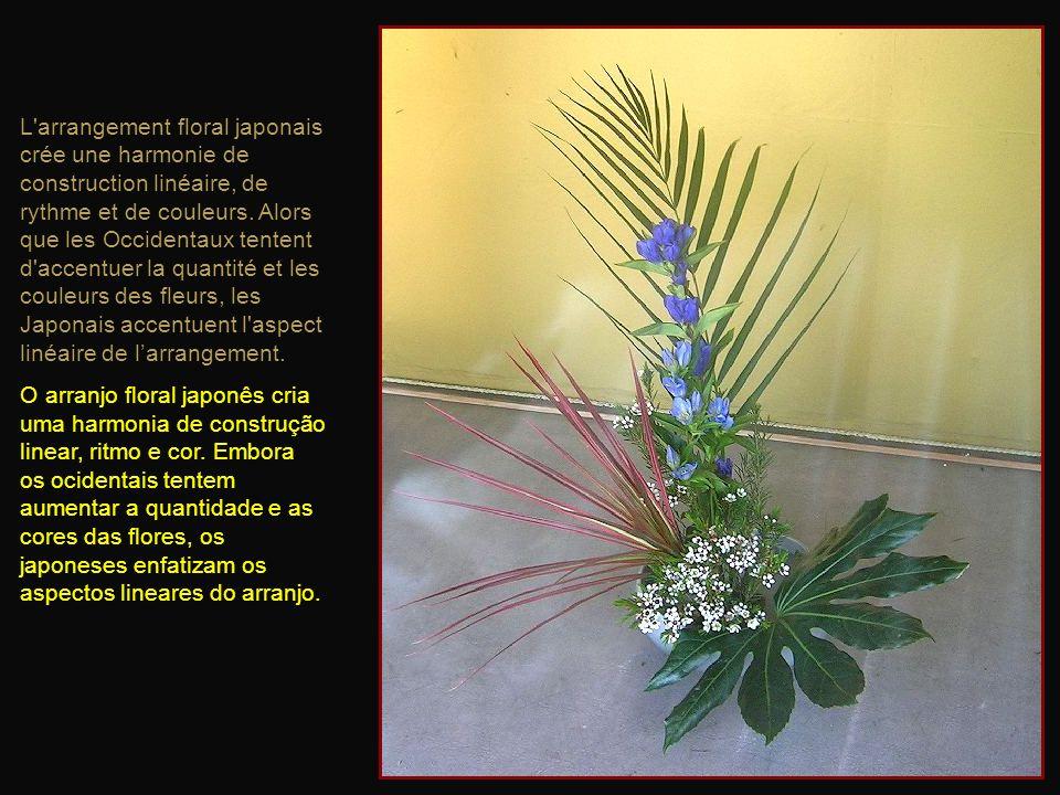 LIkebana, la Voie des fleurs, est un art traditionnel japonais basé sur la composition florale. A Ikebana, o Caminho das flores, é uma arte tradiciona