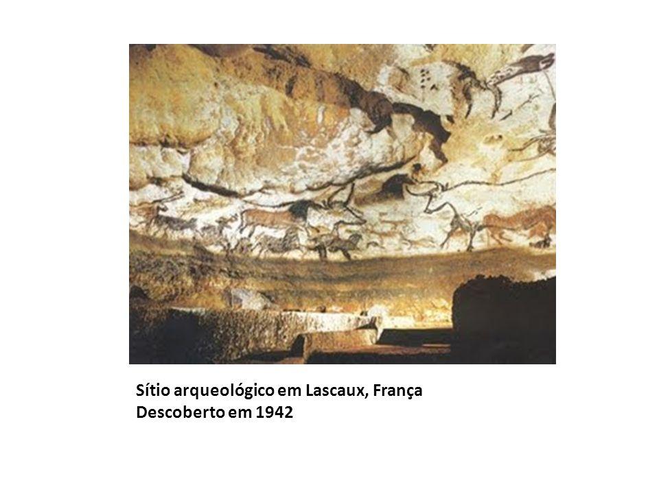 Sítio arqueológico em Lascaux, França Descoberto em 1942