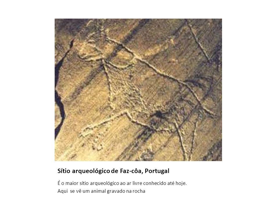 Sítio arqueológico de Faz-côa, Portugal É o maior sítio arqueológico ao ar livre conhecido até hoje. Aqui se vê um animal gravado na rocha