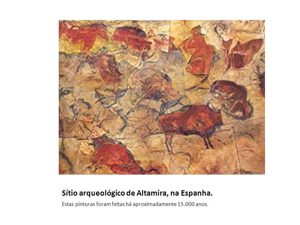 Sítio arqueológico de Altamira, na Espanha. Estas pinturas foram feitas há aproximadamente 15.000 anos.