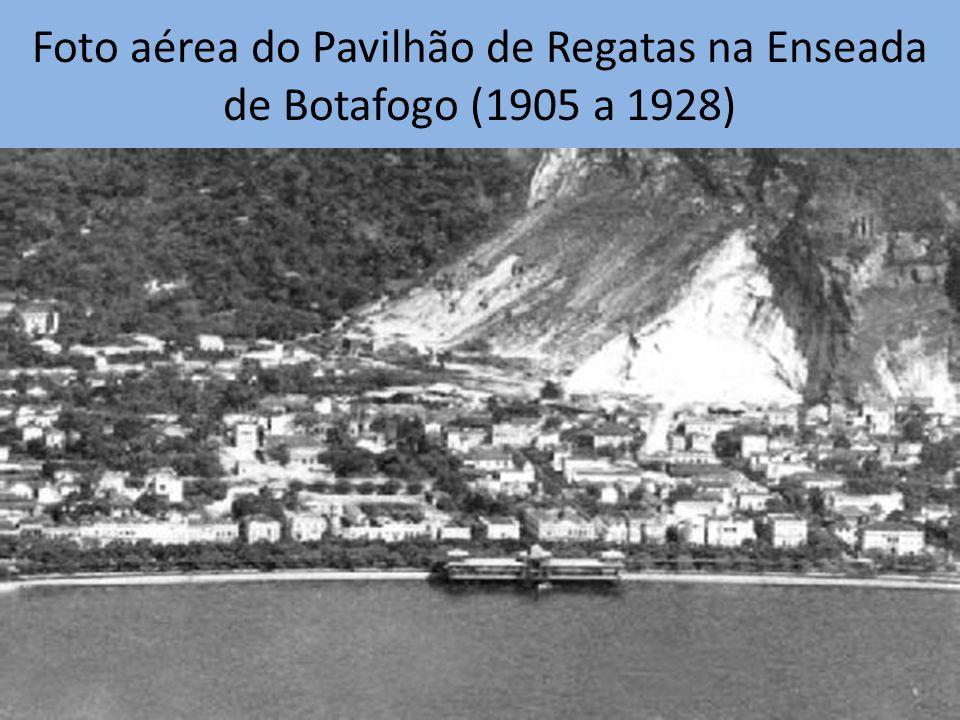 Foto aérea do Pavilhão de Regatas na Enseada de Botafogo (1905 a 1928)