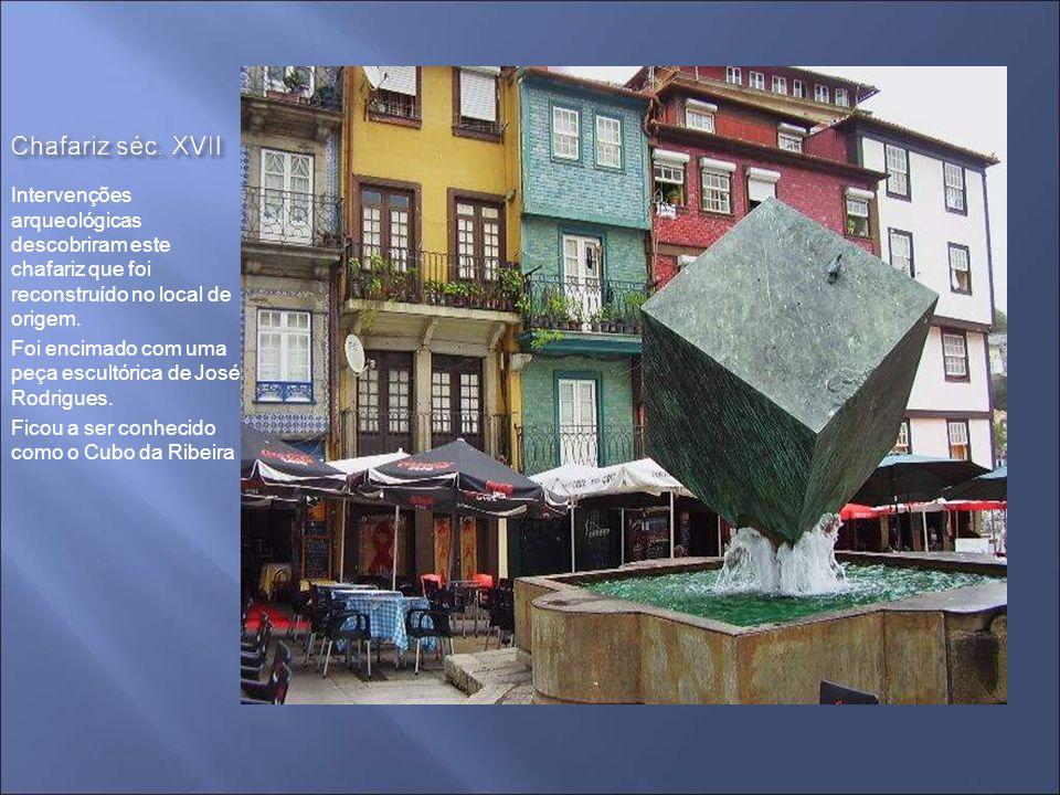 Monumental Fonte de S. João ou da Praça da Ribeira – séc. XVIII Estátua de S. João da autoria de João Cutileiro – ano 2.000