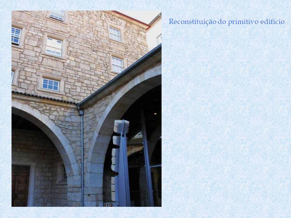 Maqueta do primitivo edifício Escavações arqueológicas fazem supor que foi construído sobre um Palácio Romano.