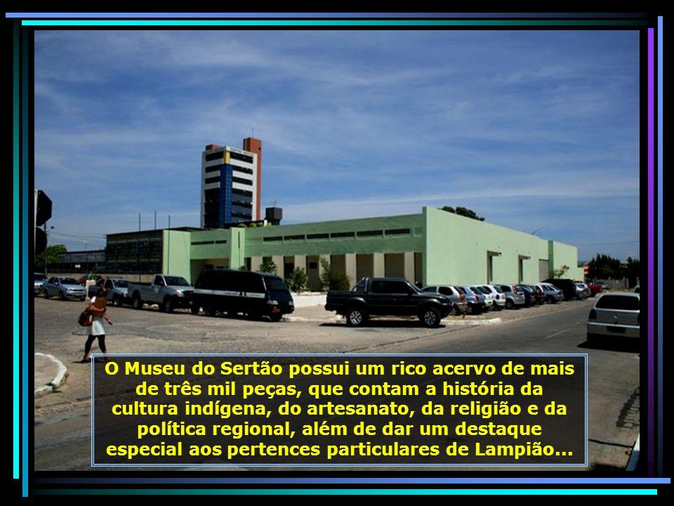 Sede da Câmara Municipal de Petrolina... Prefeitura de Petrolina, trabalhando em harmonia com a Câmara Municipal em prol do desenvolvimento e do progr