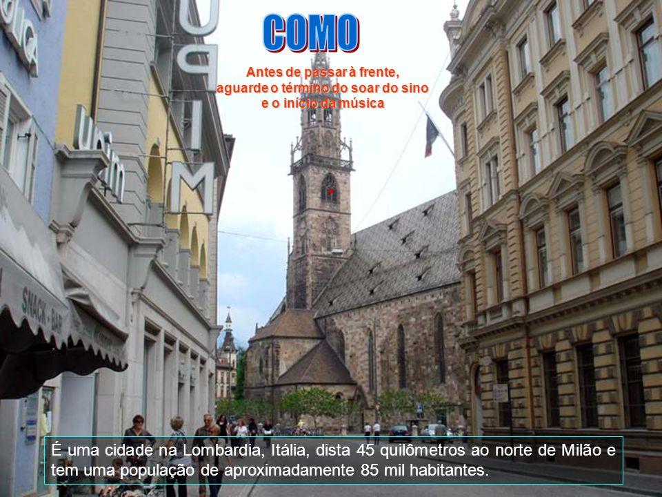 É uma cidade na Lombardia, Itália, dista 45 quilômetros ao norte de Milão e tem uma população de aproximadamente 85 mil habitantes.