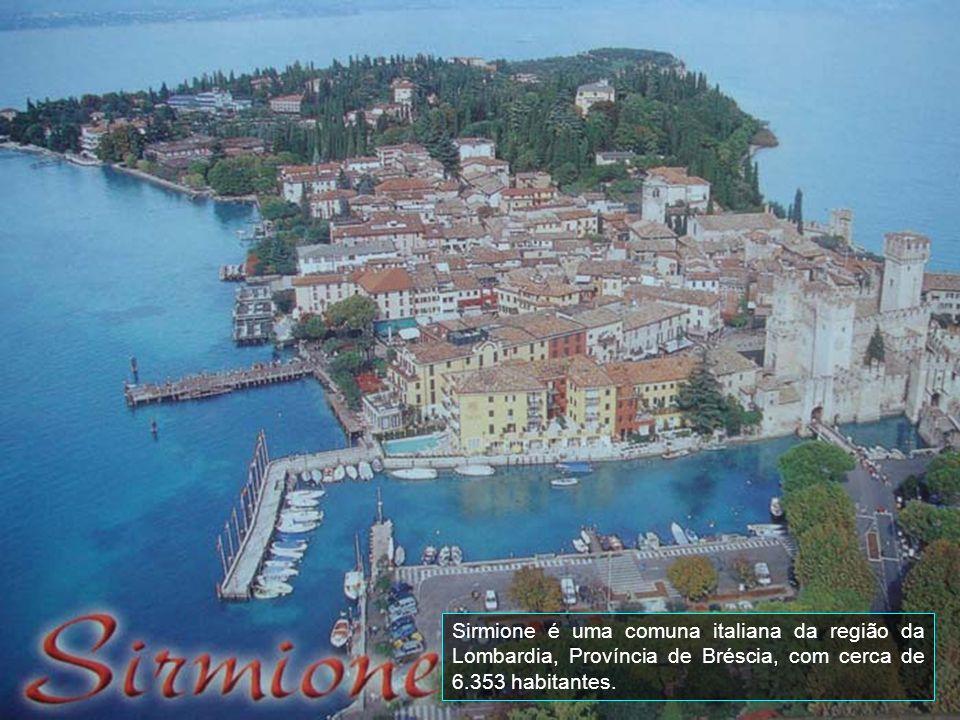 A cidade se divide em duas partes distintas, a Bérgamo Alta e Bérgamo Baixa. Uma tribo de Lígures fundou uma aldeia chamada de Barra, hoje na localida