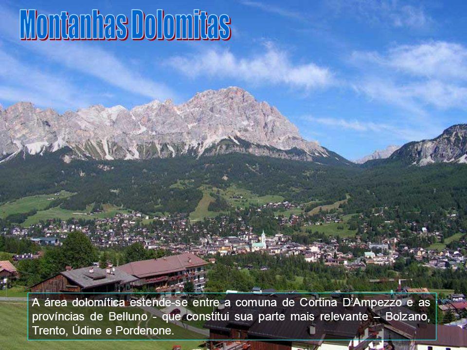As Dolomitas (em italiano Dolomiti) formam uma cadeia montanhosa dos Alpes orientais no norte da Itália.