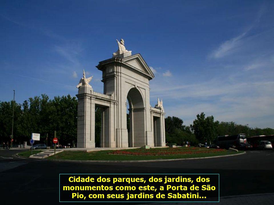 Ela é uma das mais belas e agitadas capitais européias e a capital de maior altitude da Europa (667m)...