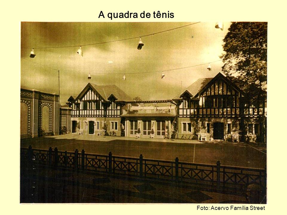 Foto: Acervo Família Street O recanto com a figueira em 1926