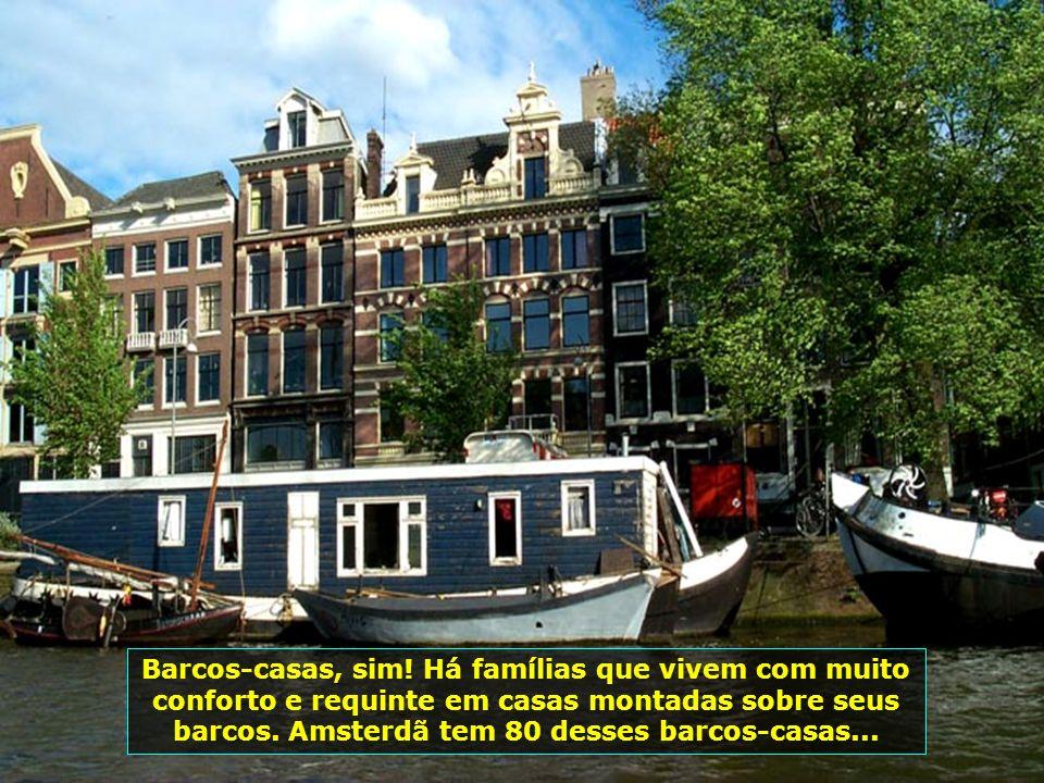 A Holanda tem parte do seu território localizado abaixo do nível do mar, o que exige atenção com os diques, que impedem a invasão do mar...