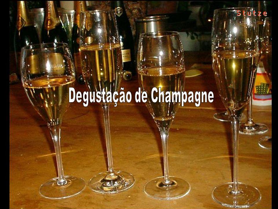 A Stutze Comunicação oferece aos seus clientes a oportunidade de mergulhar em um grande Evento de Champagne para grandes negócios.