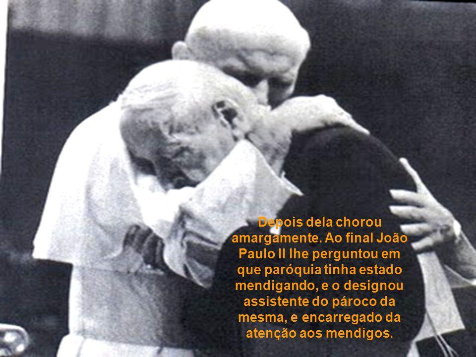O homem escutou a confissão do Santo Padre e pediu-lhe que por sua vez escutasse sua própria confissão.