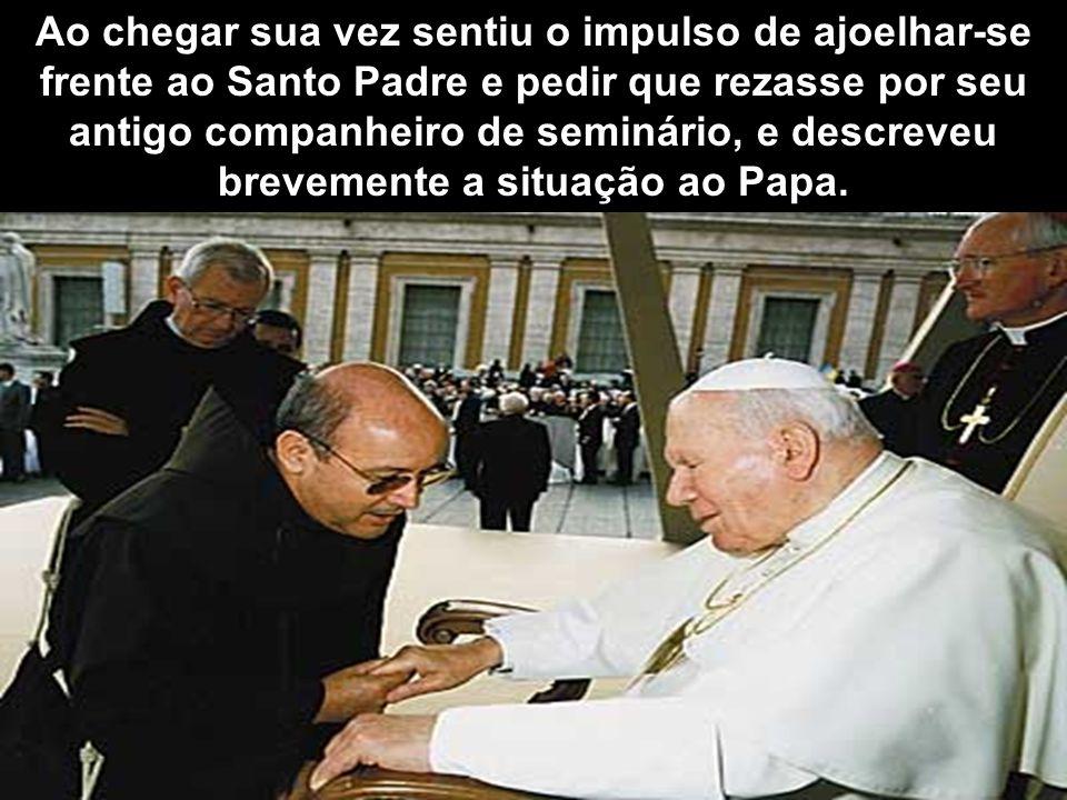 O padre, depois de identificar-se e cumprimentá-lo, escutou dos lábios do mendigo como tinha perdido sua fé e sua vocação. Ficou profundamente estreme