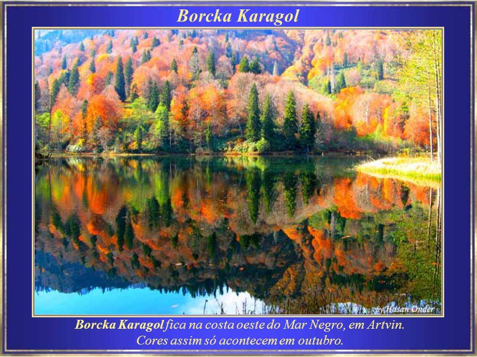 Dardanelos – Çanakkale Bogazi – é um estreito no noroeste da Turquia que liga o Mar Egeu ao Mar de Mármara.