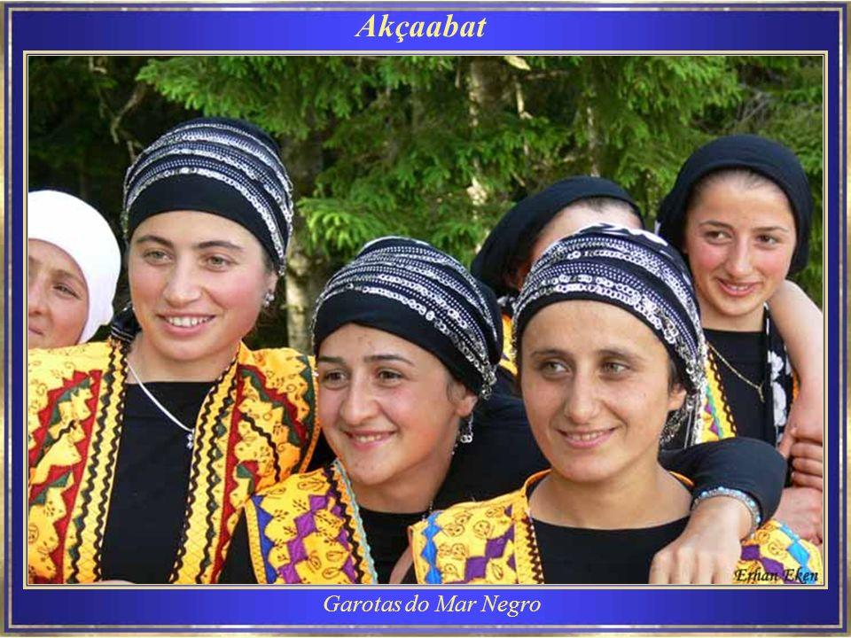 Escola religiosa Estudantes ao final do curso religioso de verão e voltando para suas casas.