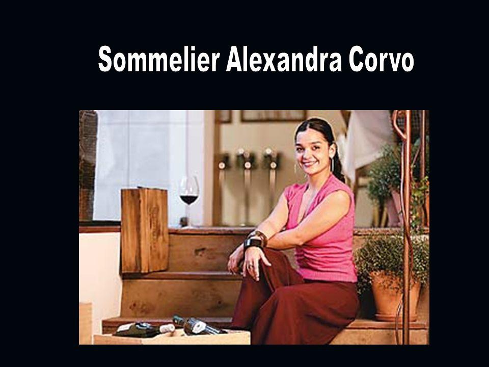 Degustação de Vinho A oportunidade em degustar os melhores vinhos com um Sommelier renomado, faz de uma experiência única com um sucesso de integração entre os convidados.