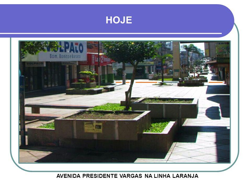 OBRAS DE CONSTRUÇÃO DO CALÇADÃO 2 1980 - RUA PINHEIRO MACHADO