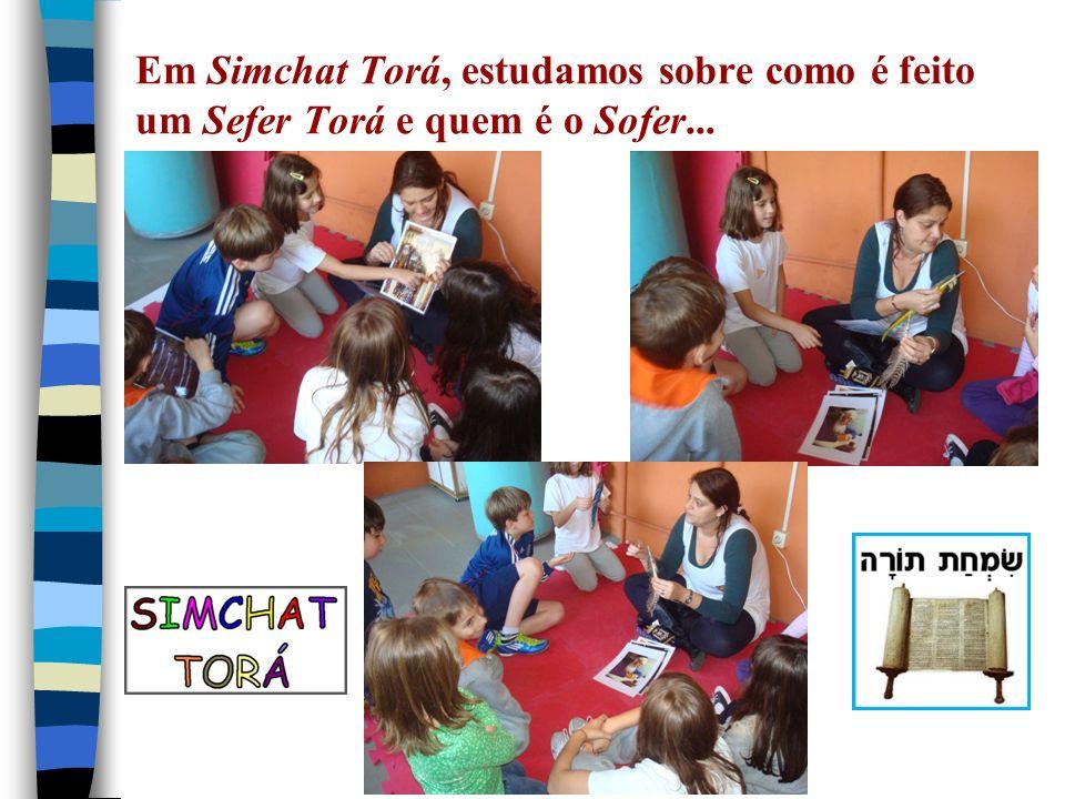 Em Simchat Torá, estudamos sobre como é feito um Sefer Torá e quem é o Sofer...