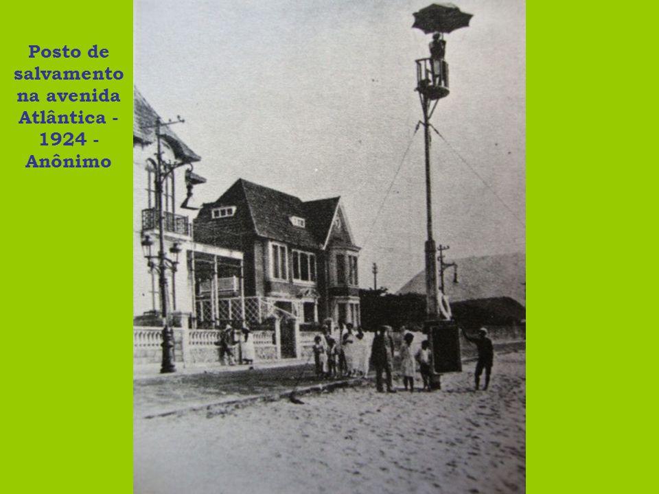 Posto de salvamento na avenida Atlântica - 1924 - Anônimo