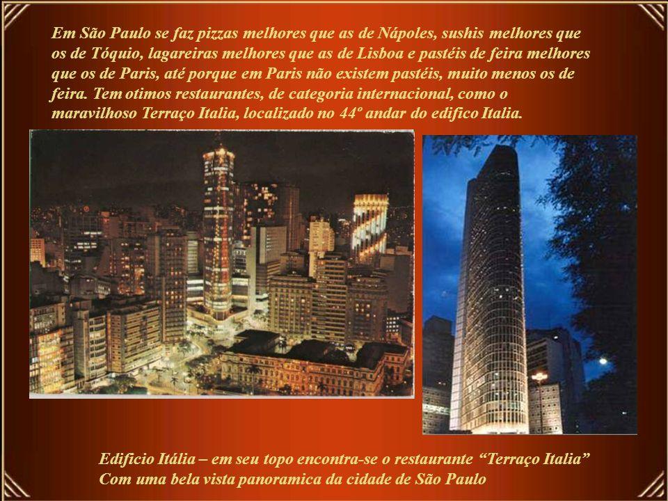 São Paulo já foi chamada de 'o túmulo do samba' por Vinicius de Moraes, coisa que Adoniran Barbosa, Paulo Vanzolini e Germano Mathias provaram não ser