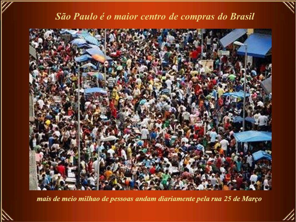 São Paulo tem o segundo maior Terminal Rodoviário do mundo, perdendo apenas para o Terminal Rodoviário de Nova York. Em seu interior há um Shopping Ce