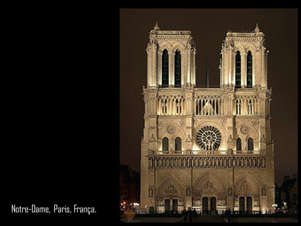 Notre-Dame, Paris, França.