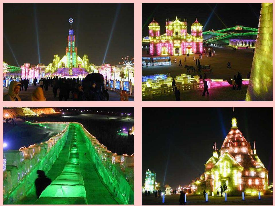 O festival de gelo continua por vários quilômetros de distância. Luzes brilhantes de neon reforçam o impacto ainda mais e ao fundo ouve-se jazz e músi