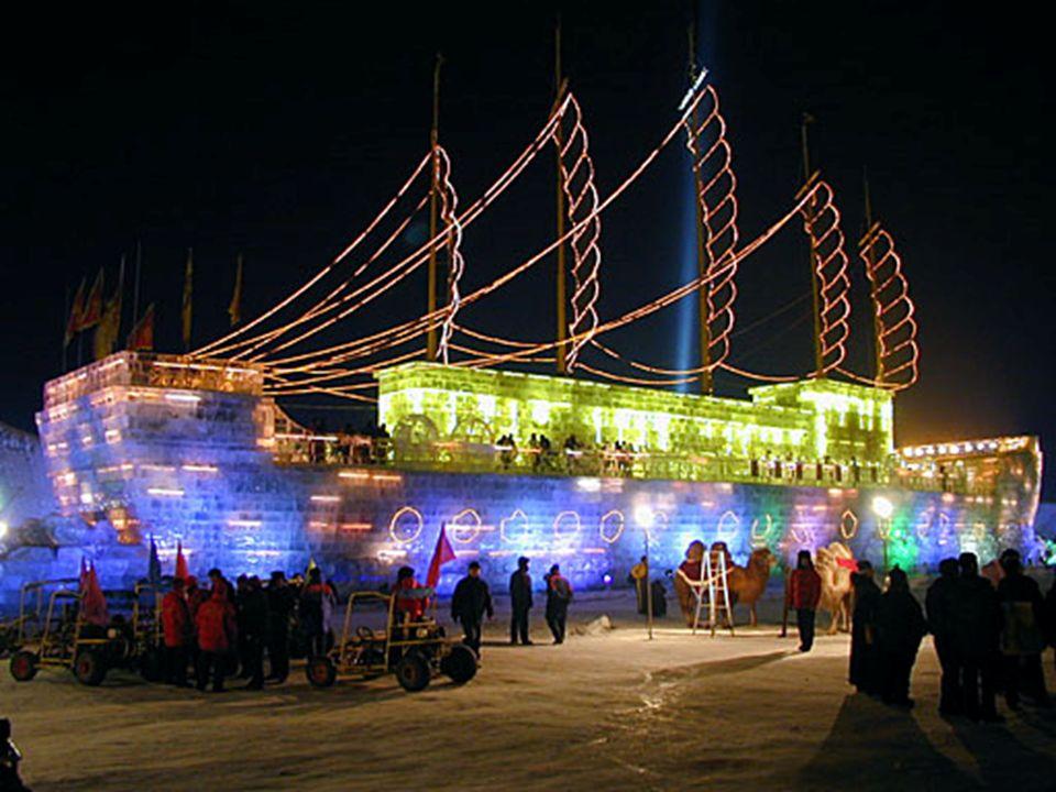 Este é um navio totalmente feito de gelo, e com passageiros a bordo.