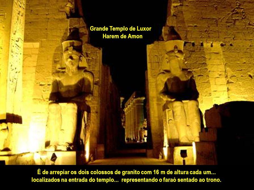 A cada vitória... erguiam-se ao venerado deus novos templos... e esculturas monumentais. Foi aqui que se destinou a capital dos faraós por longos sécu
