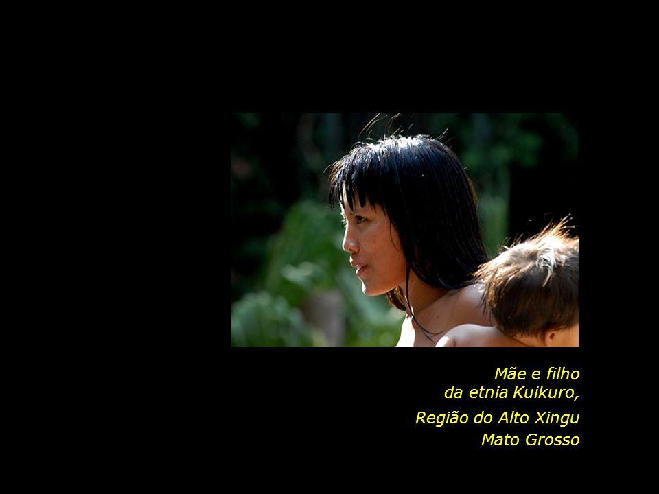 holdemqueen@hotmail.com Pajé da etnia Kuikuro, Mato Grosso