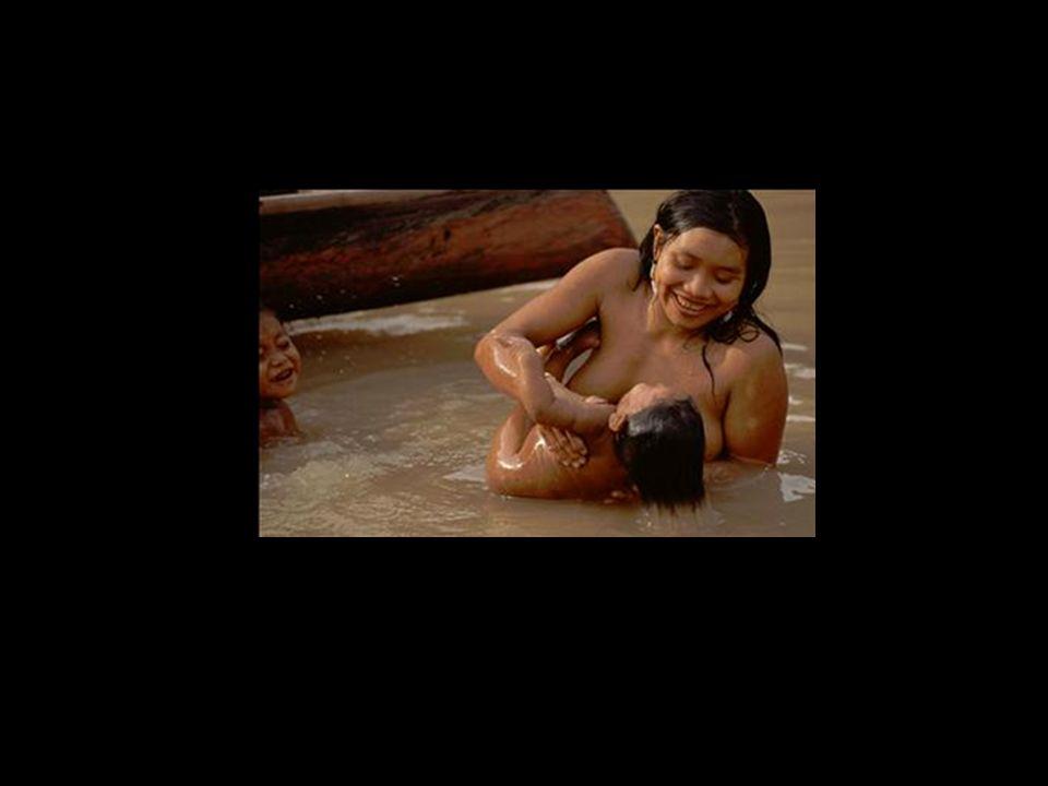 holdemqueen@hotmail.com Crianças da etnia Kuikuros Região do Alto Xingu Mato Grosso