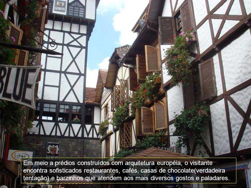 Sendo o point da cidade no inverno, o Capivari com seu estilo arquitetônico suíço faz com que o turista se sinta numa autêntica cidade européia.