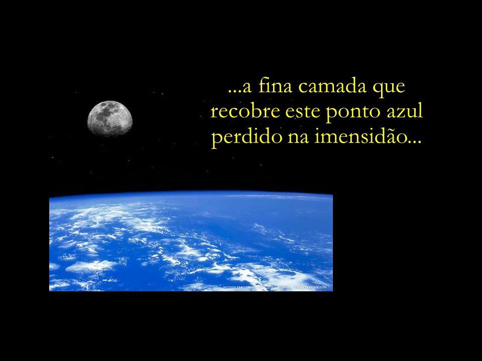 Num tempo remoto, ao dirigir o olhar para o céu, os nossos longínquos antepassados perguntavam-se:...