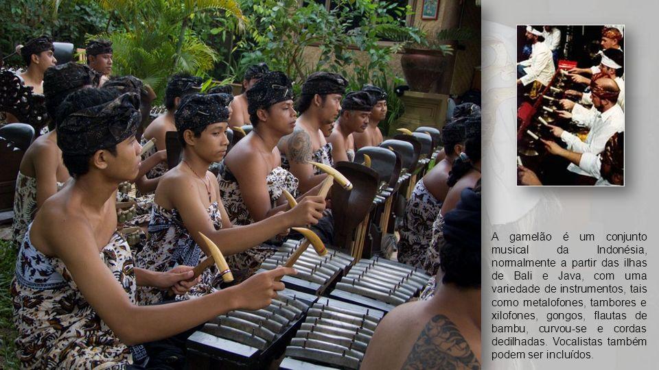Orquestras de gamelão palavra define tradicional Indonésia. Em geral, a maioria das ferramentas em sua composição são instrumentos de percussão semelh