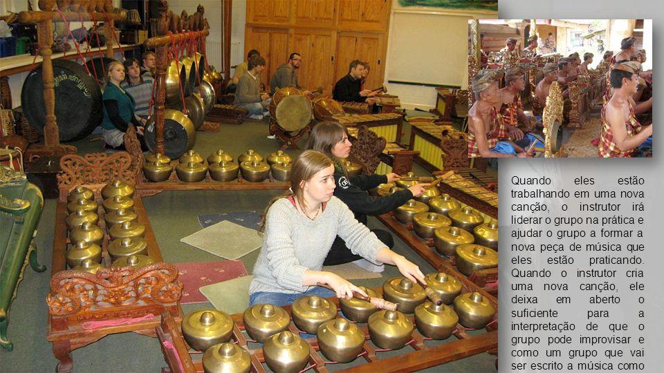 O sekaha é liderada por um único instrutor cujo trabalho está na comunidade para liderar este grupo e chegar a novas canções.