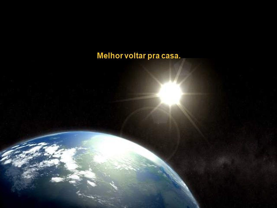 Em rota de colisão com Andrômeda, a uma velocidade de 230.000 km/h. (atualmente a 2,3 milhões de anos-luz de distância)