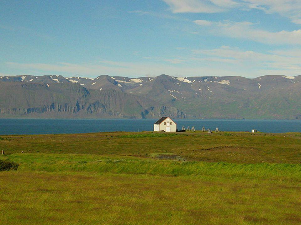O isolamento relativo da ilha e a sua reduzida povoação não apagaram as suas raízes nórdicas, mas congelaram a língua. Por exemplo; ainda hoje se fala