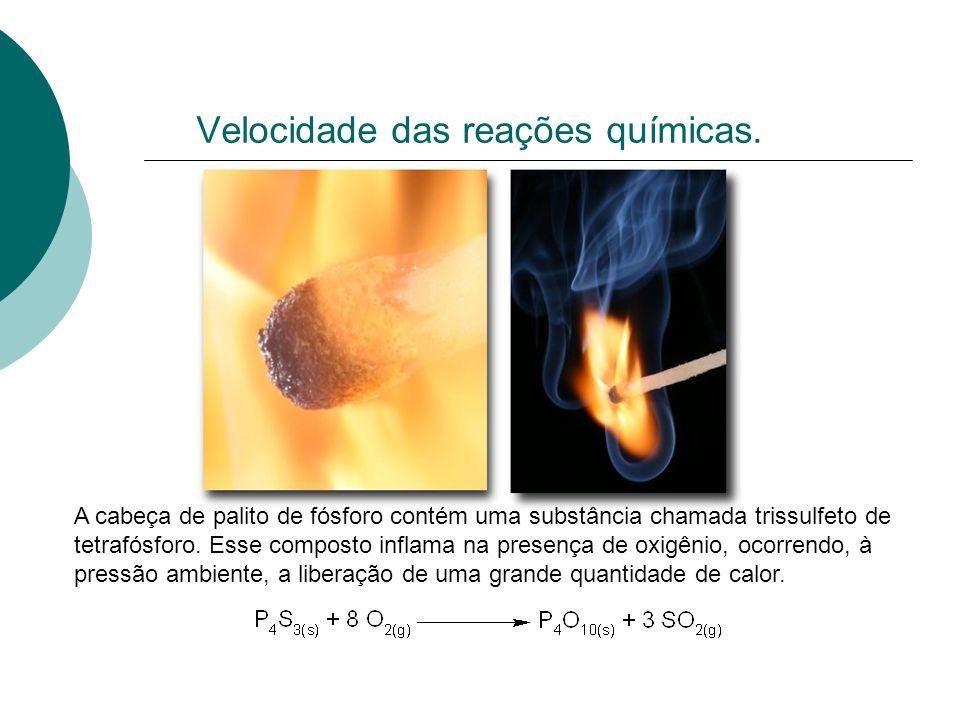 Meia Vida Tempo de meia-vida (t 1/2 ): é o tempo necessário para que a concentração de uma reagente diminua para metade do seu valor inicial.