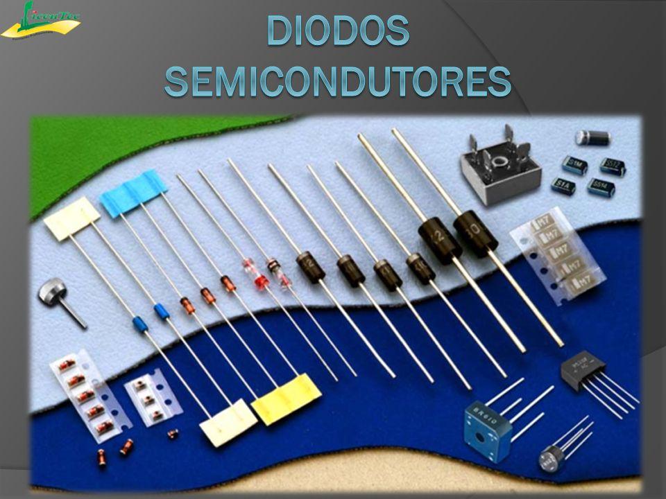 Os diodos são componentes eletrônicos formados por semicondutores.