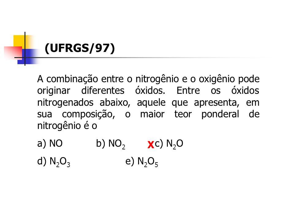 A combinação entre o nitrogênio e o oxigênio pode originar diferentes óxidos. Entre os óxidos nitrogenados abaixo, aquele que apresenta, em sua compos