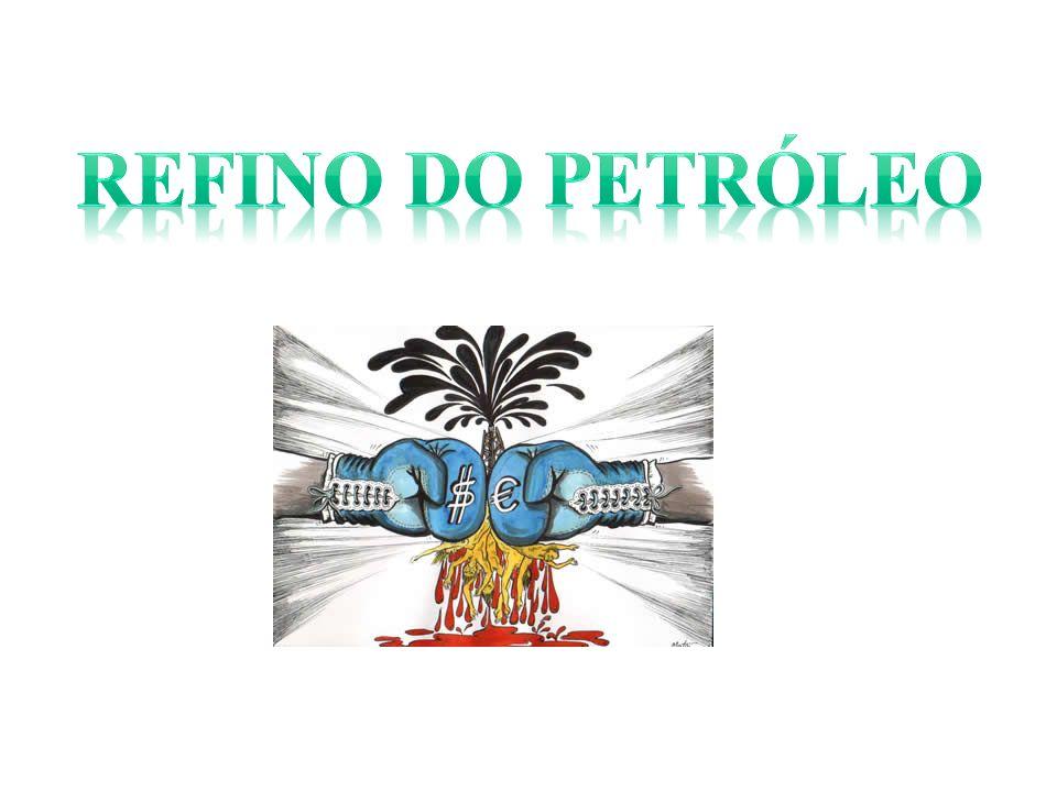 O petróleo é encontrado em equilíbrio com excesso de gás natural (gás associado ou livre), água e impurezas, e contém certa quantidade de gás dissolvido (gás em solução) e água emulsionada.