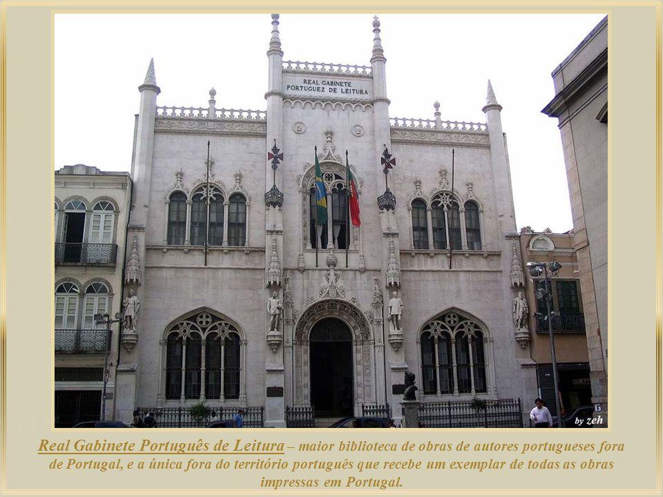 O Palácio Tiradentes abrigou o Congresso Nacional brasileiro entre 1926 e 1960. Atualmente, é a sede da Assembléia Legislativa do Estado do Rio de Jan