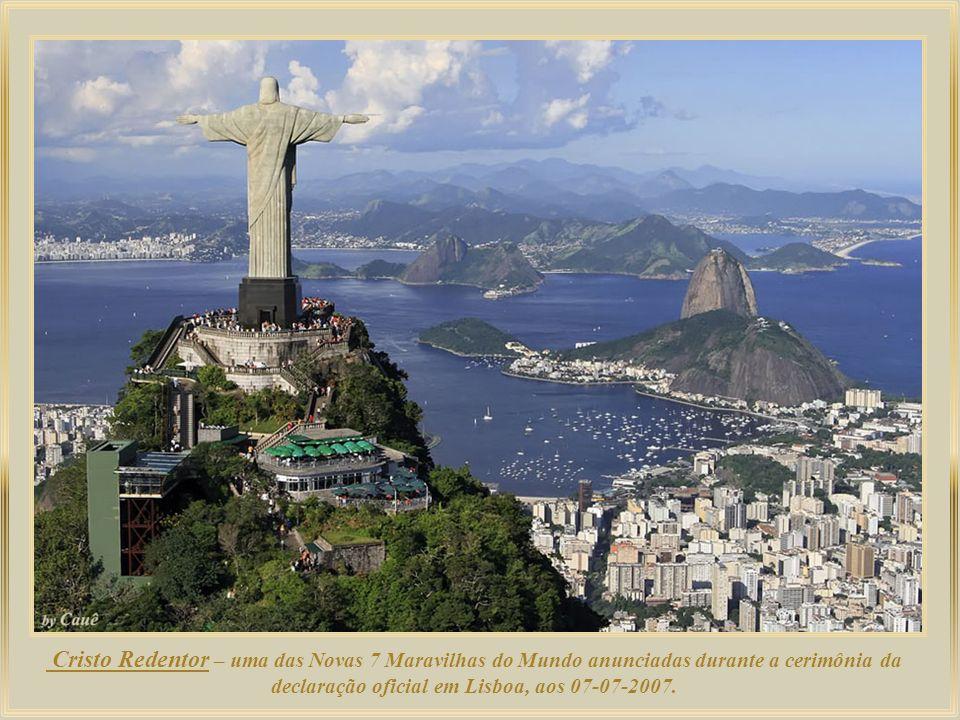 Copacabana, uma das praias mais famosas do Brasil, é considerada o berço da bossa-nova, como registra Ruy Castro em seu livro Chega de Saudade.