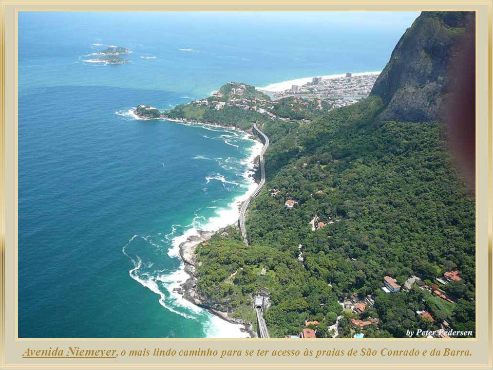Com uma concentração de hotéis bem menos densa que a de Copacabana – que disponibiliza mais de oitenta – Ipanema também é um bairro com boa rede hotel