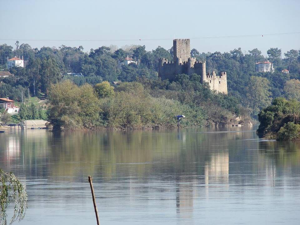 Já como Castelo de Almourol, entre os anos de 1160 e 1171, foi reedificado e por várias vezes restaurado, tendo adquirido, em linhas gerais, as suas actuais feições, com características da arquitectura templária.
