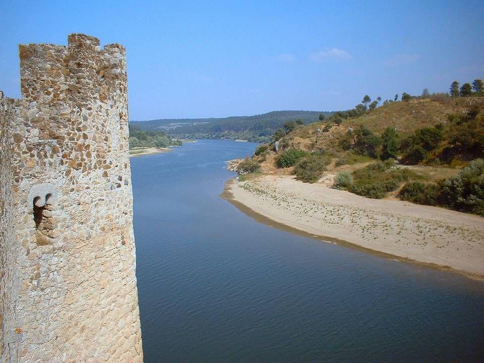 O Castelo e o rio Tejo