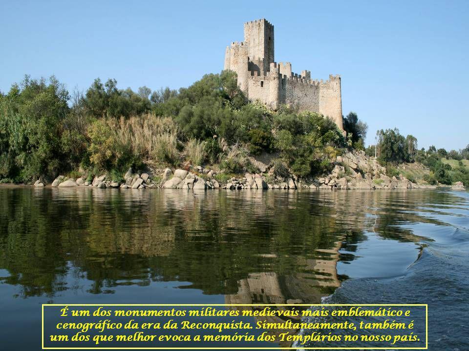 O Castelo localiza-se no Concelho de Vila Nova da Barquinha.