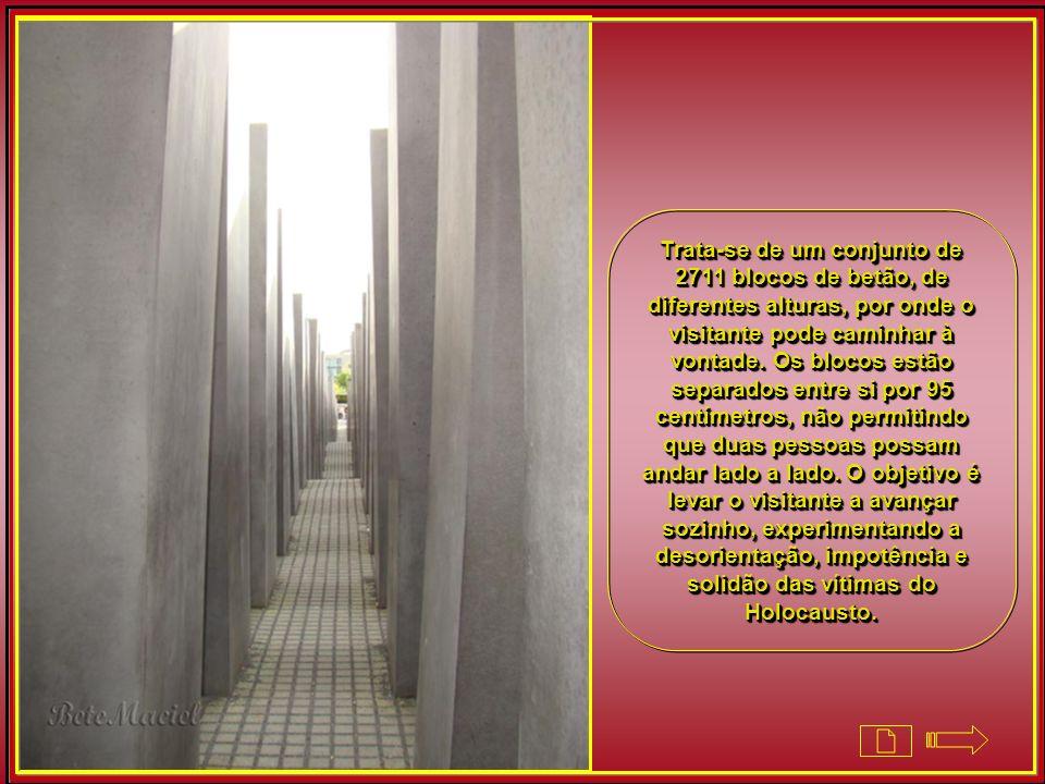 O Memorial do Holocausto homenageia os judeus mortos entre 1933 e 1945. Sua construção é de 2005. Ocupa uma área de 19 mil metros quadrados.